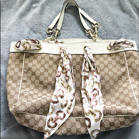 2fccd47a46ccea GUCCI GG Canvas Positano Scarf Hanbag IN GREAT CONDITION EXCEPT FOR